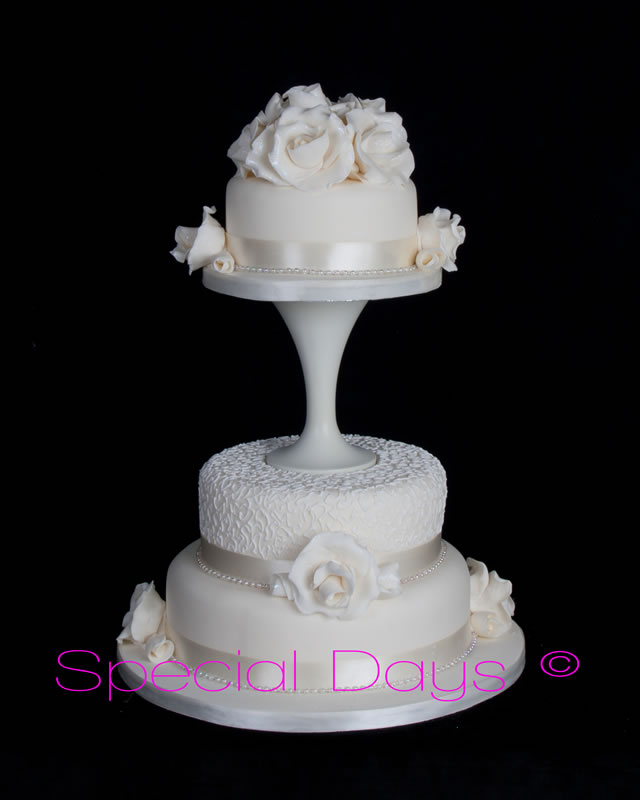 unusual wedding cakes edinburgh lanarkshire wedding cakes anya s catering 21488